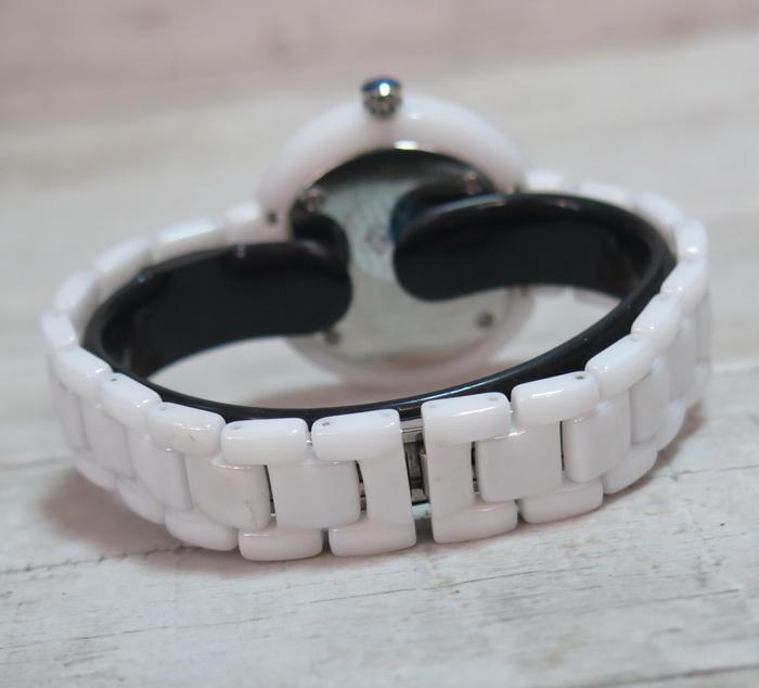 Часы с керамическим корпусом