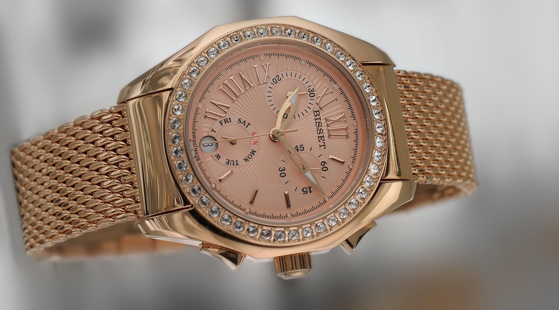 Сложные женские часы