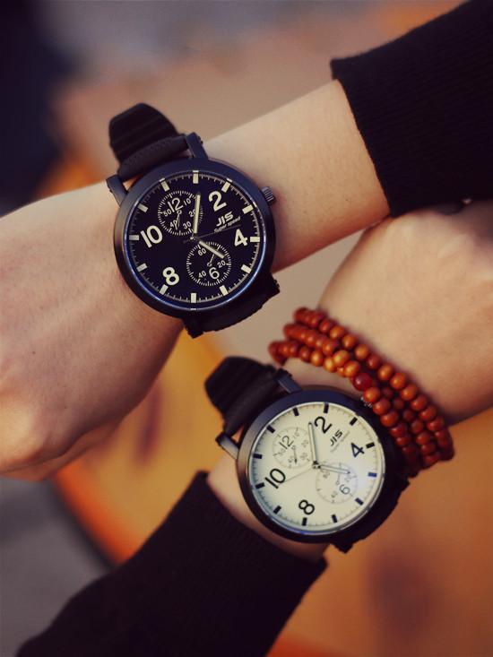 Большой циферблат часы женские