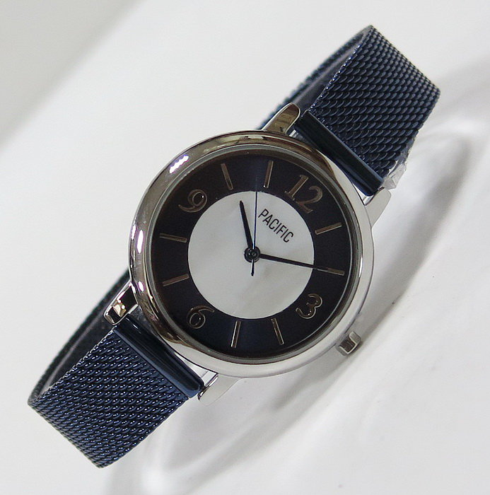 Часы PACIFIC